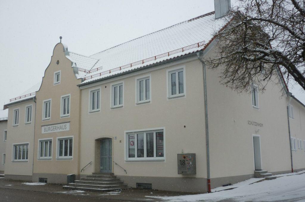 Das Bürgerhaus nach der Renovierung mit neuem Nordeingang zum Schützenheim